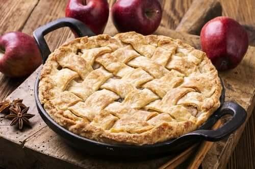 Vegan pastries include apple pies.