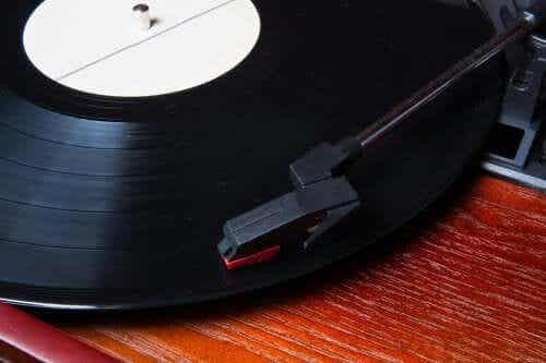 How To Decorate with Vinyl Records: 5 Original Ideas