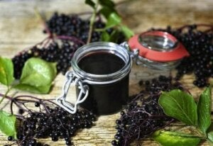 What Are the Evidence-Backed Benefits of Elderberry?