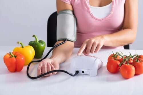 6 Forbidden Foods for People with Blood Pressure Problems