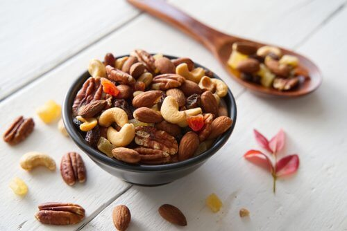 6 Varieties of Nuts that Boost Your Energy