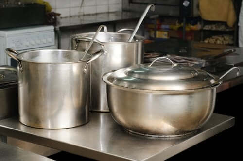 How to Clean Stainless Steel Naturally
