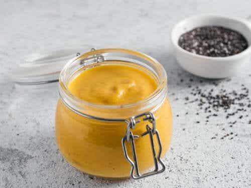 How to Make Turmeric Garlic Mayonnaise