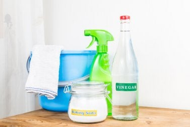 Vinegar and baking soda, you can use to remove limescale.