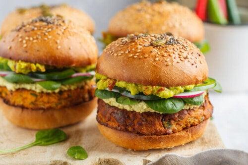 2 Ways to Make Delicious Veggie Burgers