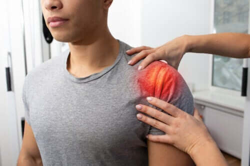 Tendonitis in the Shoulder: Symptoms, Causes, and Treatment
