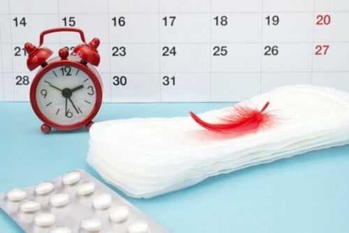 Pads and calendar for menstrual cycle.
