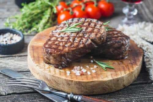 How Much Meat Should You Eat Per Week?