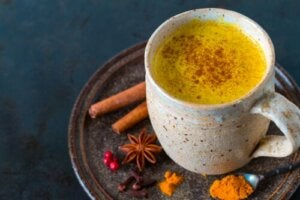 Five Benefits of Drinking a Turmeric Tisane