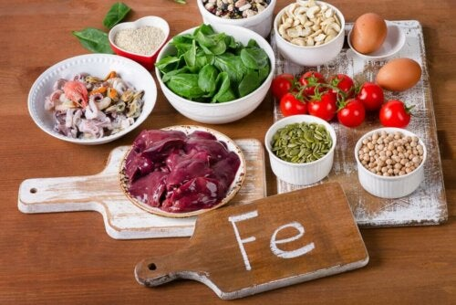 Types of food that are high in iron.