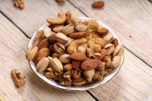 Almonds, Walnuts, or Hazelnuts: Which Are Healthier?