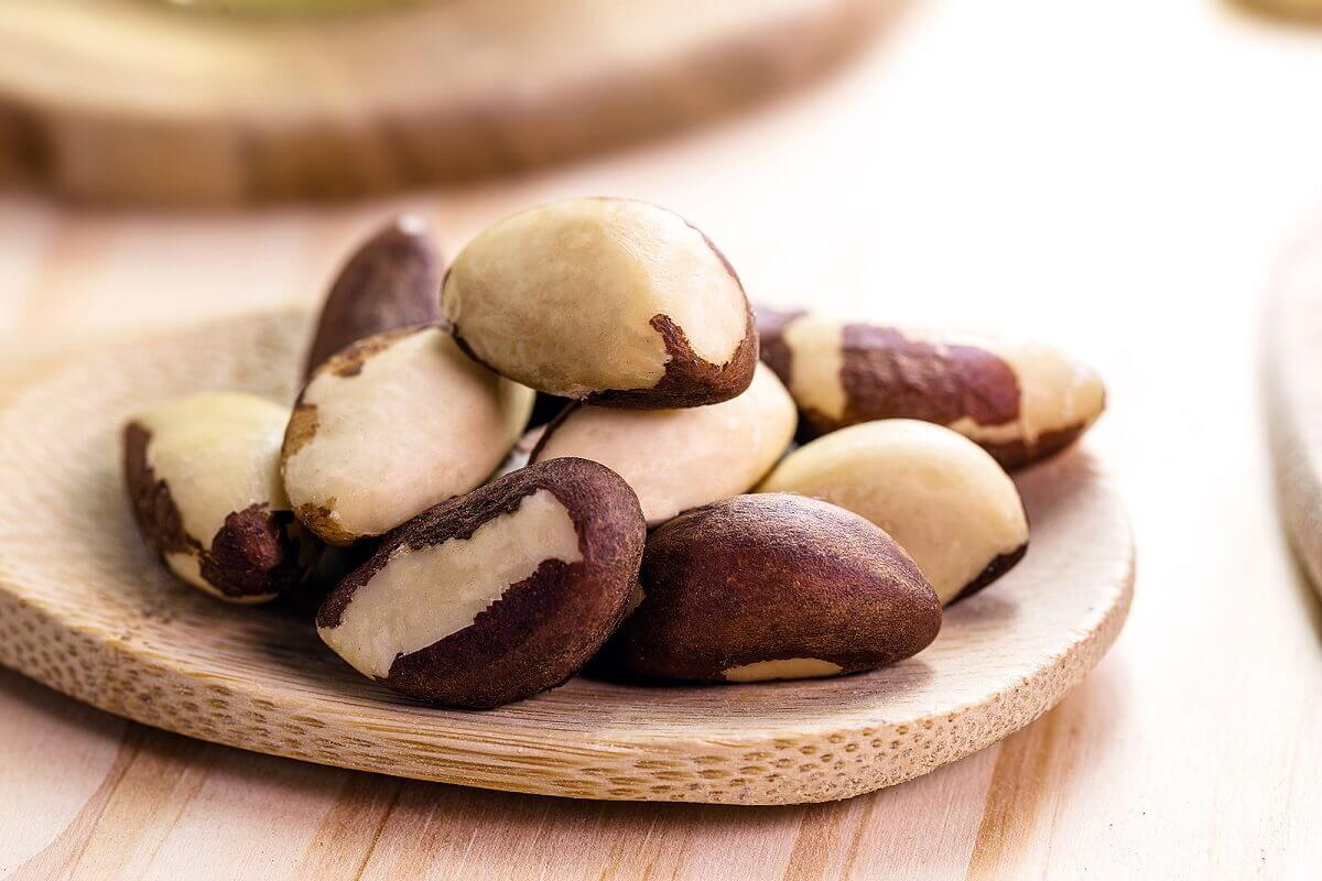 A plate of Brazil nuts.