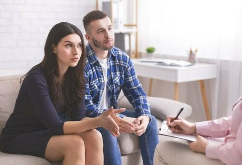 A couple in therapy for relationship problems
