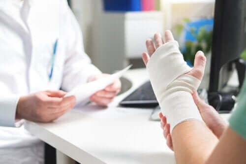 Diabetes Increases the Risk of Fractures
