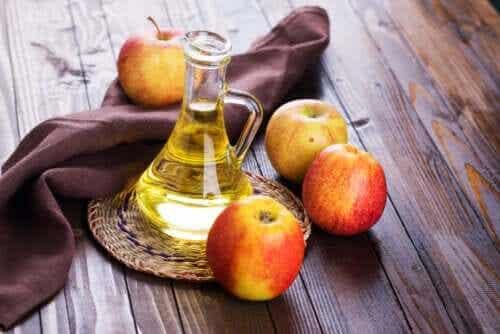 Vinegar as a Home Remedy for Dandruff