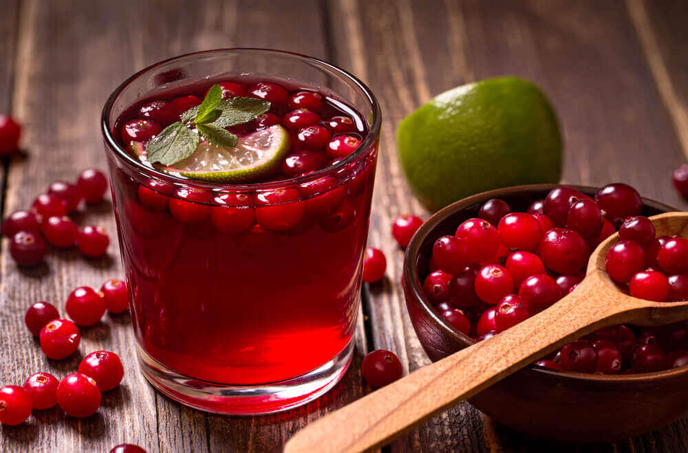 Cranberry juice helps prevent cystitis.