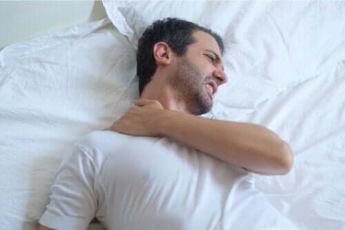 Advice on How to Sleep with Shoulder Tendonitis