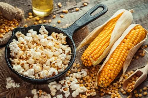 How to Prepare Popcorn That's Healthy and Delicious