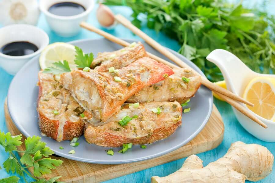 Fish with lemon and parsley