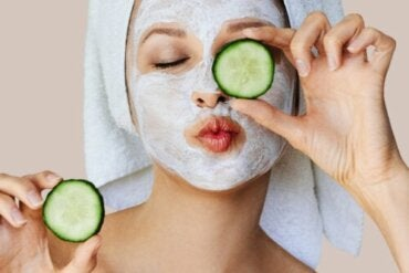 How Do Facial Masks Work on The Skin?