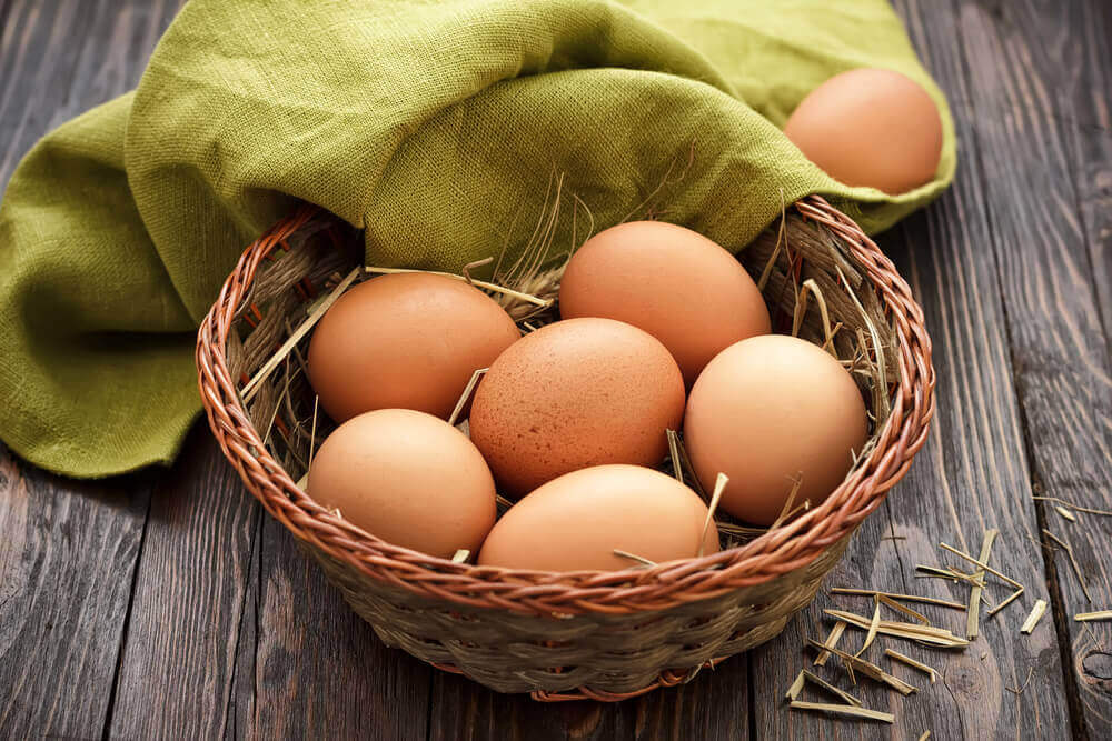 A basket of fresh eggs.