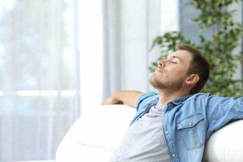 A man doing the progressive muscle relaxation technique.