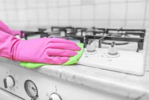 Vinegar as a Disinfectant Around the House