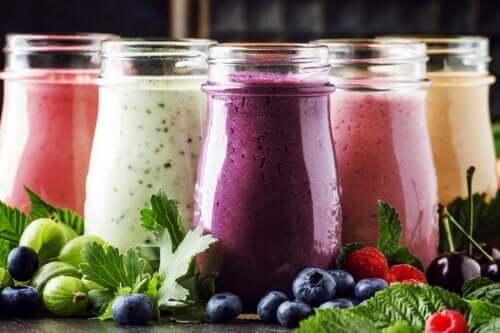 Fruit and Yogurt Smoothies: Why Make Them?