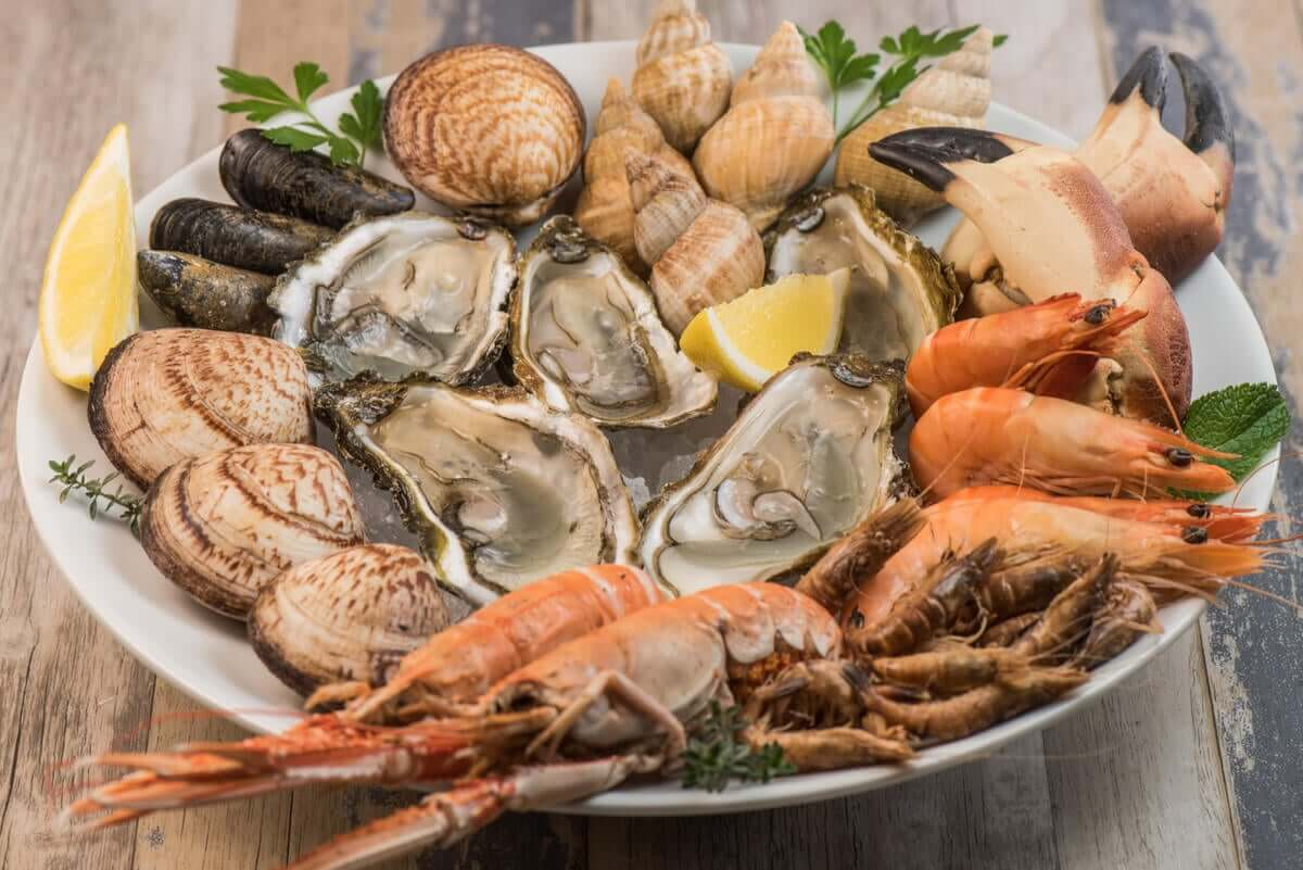 Variety of seafood on a plate.
