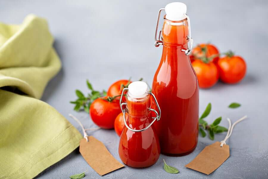 Tomato sauce should be consumed within 3 or 4 days after opening to prevent food poisoning.