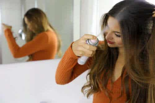 Dry Shampoo: Benefits and How to Use it