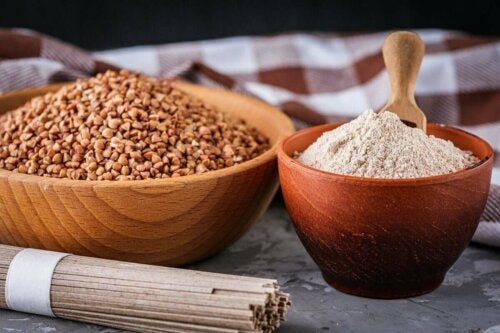 Two bowls of buckwheat.