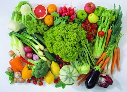 A mixture of fruit and vegetables.