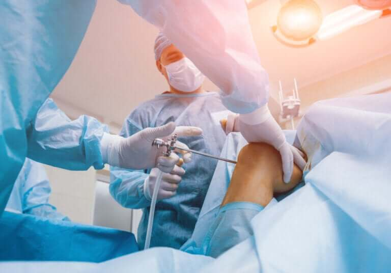 What Are the Risks of Knee Surgery?