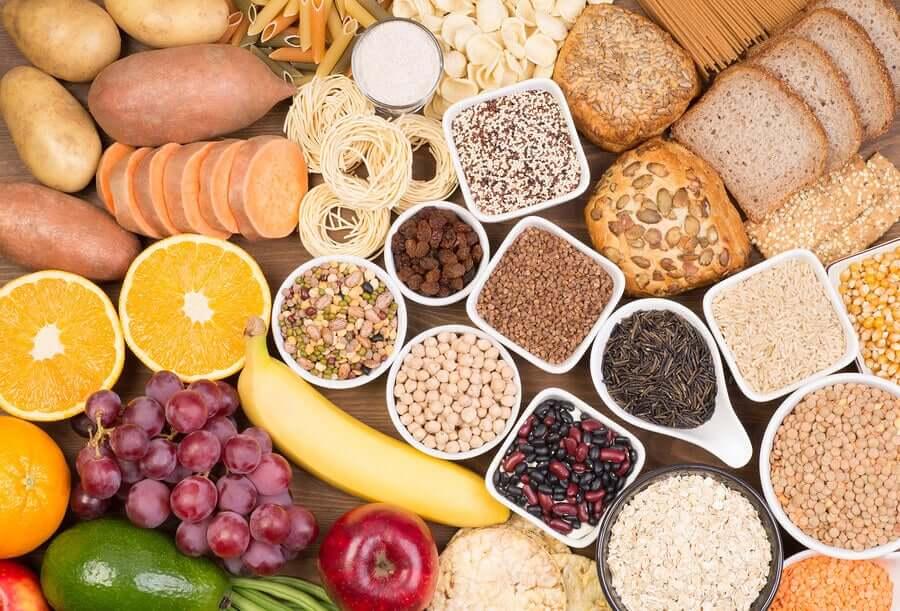 Mat med mye karbohydrater.
