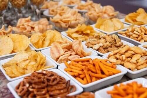 Junkfood på tallerkener