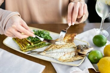 Low-Carb Diet For Weight Loss: What You Need to Know
