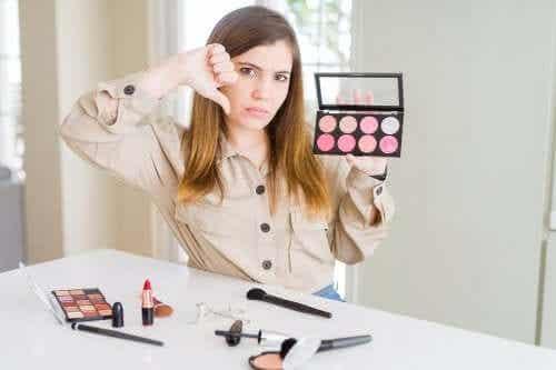 Can Cosmetics Irritate the Skin?