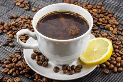 Coffee and Lemon: Is It a Good Mix?