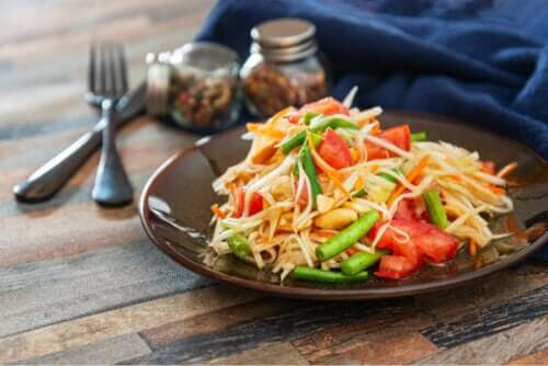 Papaya Salad: A Quick and Delicious Recipe