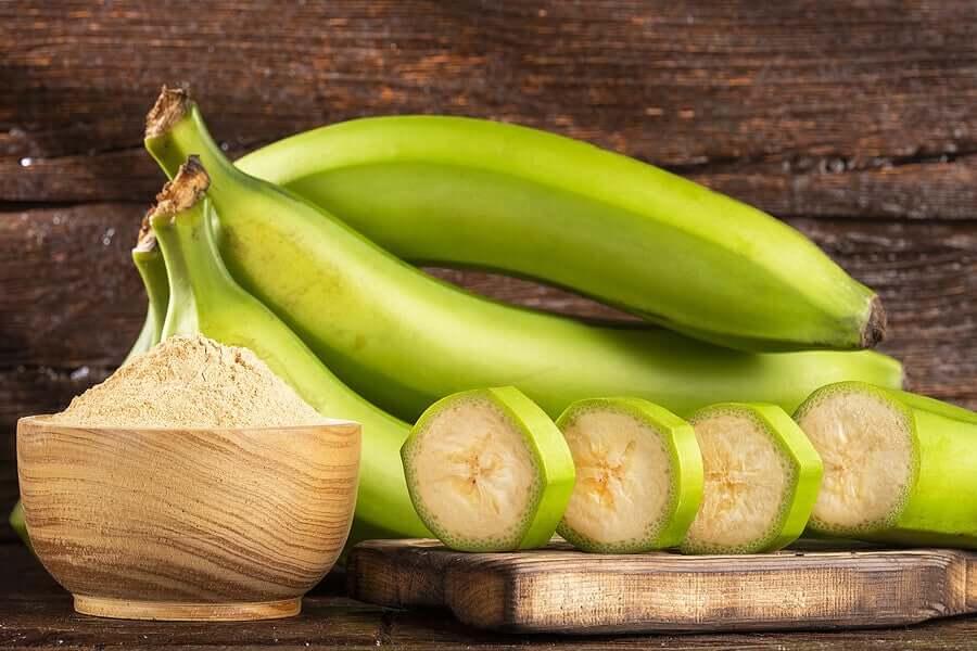 Green banana slices.