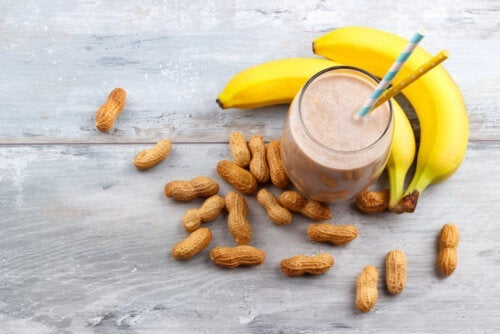 How to Make a Peanut Butter Banana Energy Shake