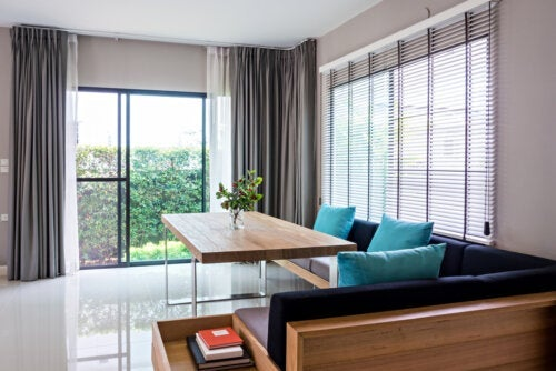 Blinds or Curtains: Which Option is Better for My House?