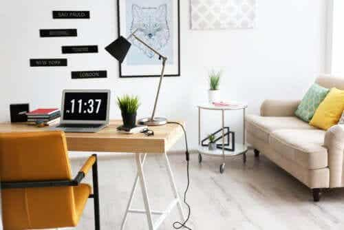 8 Office Decoration Tips