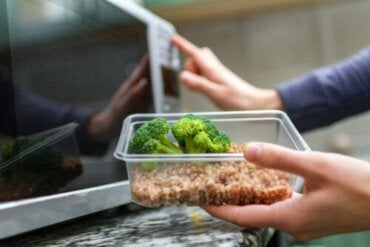 Is Heating Plastic in the Microwave Safe?