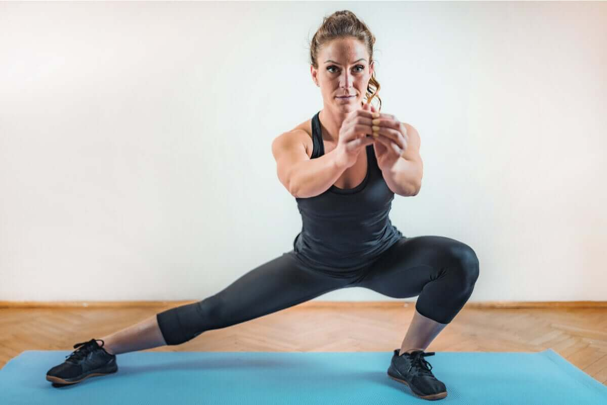 A woman doing HIIT.