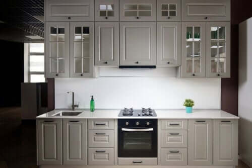 The Features of Linear Kitchens and Some Tips
