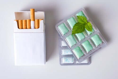 A pack of cigs and mint gum.