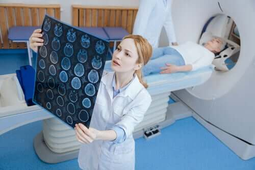 The Differences Between a CT Scan and an MRI