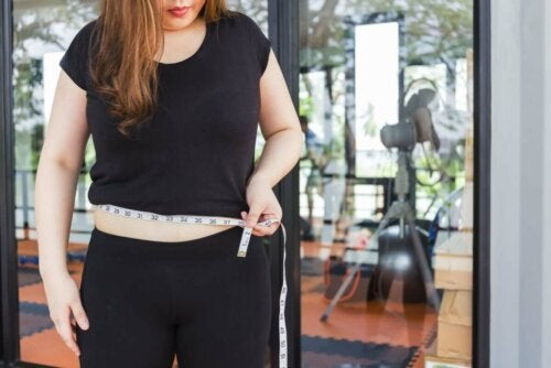 An overweight woman.